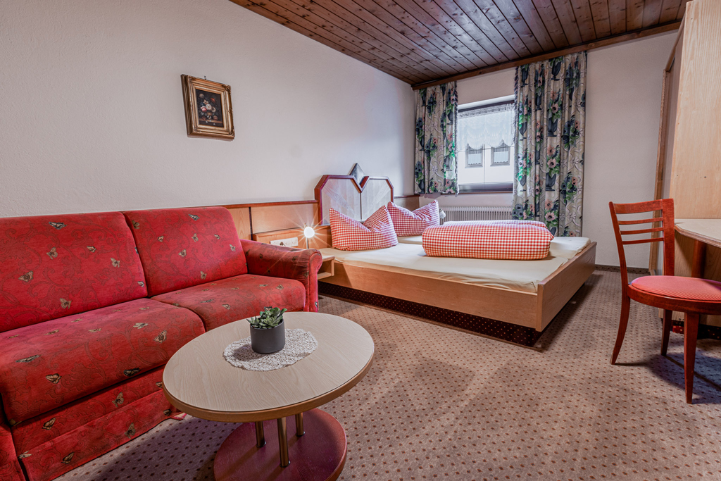 classic styles high quality really comfortable Landgasthof Aigner - Pension - Fügen im Zillertal